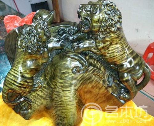 金丝楠狮狮如意(事事如意)一个。
