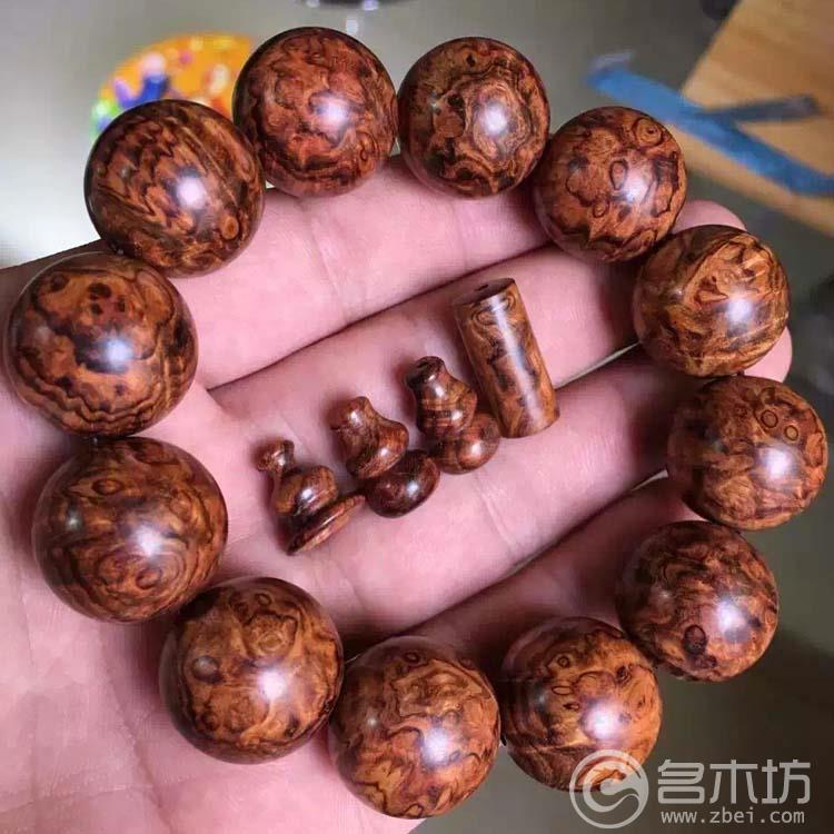 海黄(海南黄花梨)顶级满瘤疤,紫底,千年老料手串