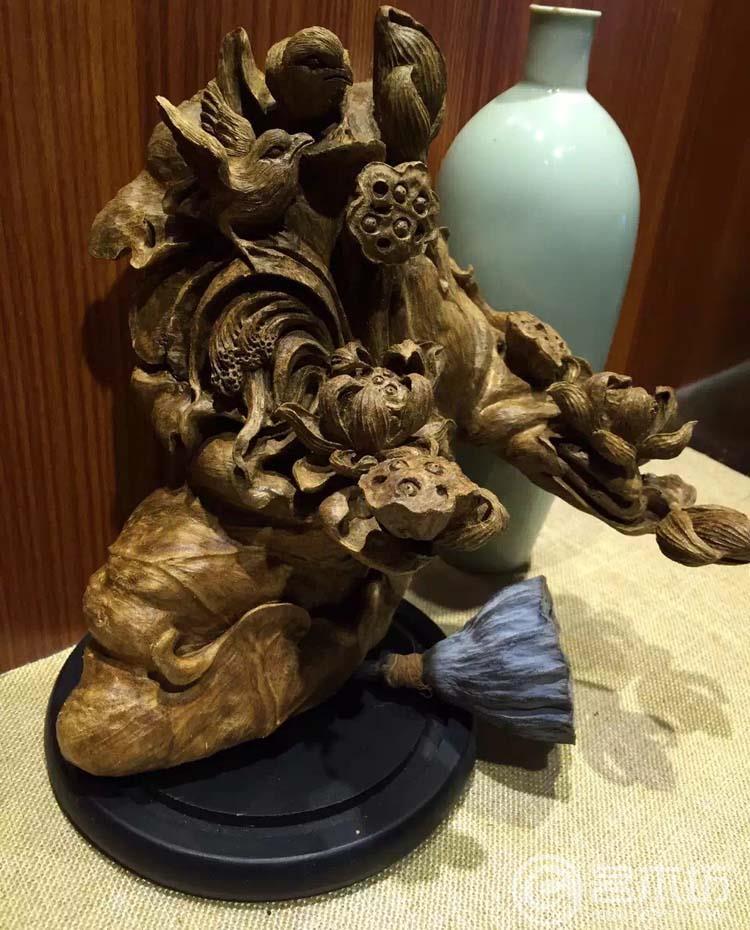 天然野生印尼沉香黑油料雕刻摆件:荷趣