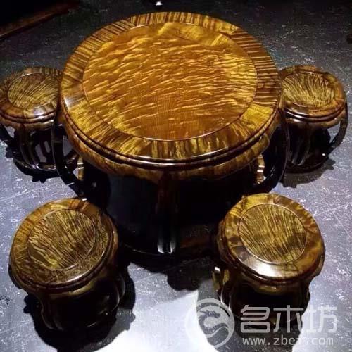 极品金丝楠木家具之金丝楠满花纹圆桌套五件套