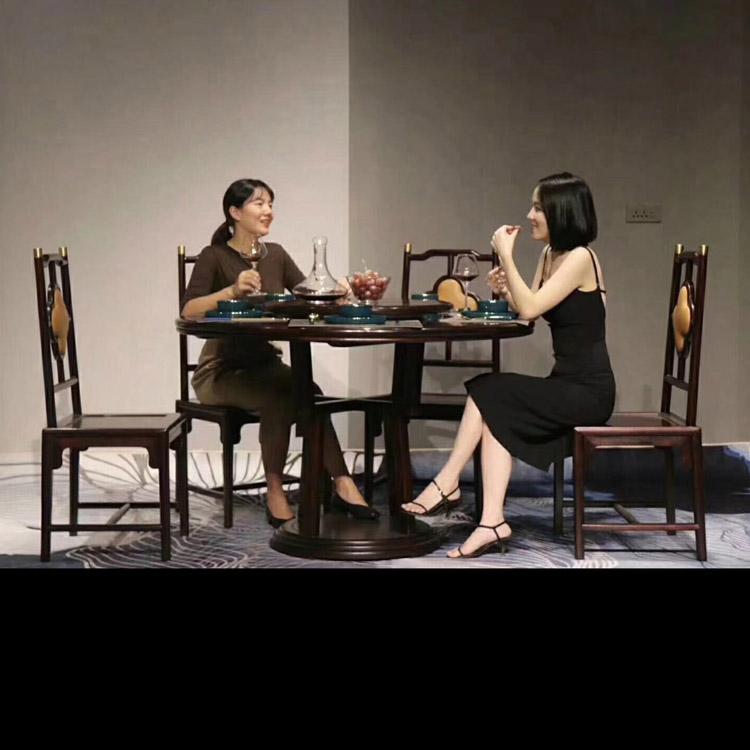 血檀家具之餐桌